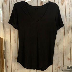 Lululemon basic black v neck tee size 4